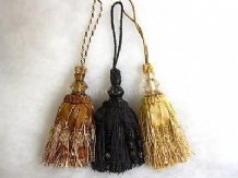 Luxury key tassel - Decorative ribbon and bead curtain trim. Door trimming 28cm